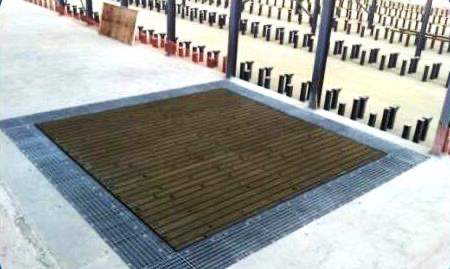 ISOLATED SELF-LEVERING TESTING FLOOR